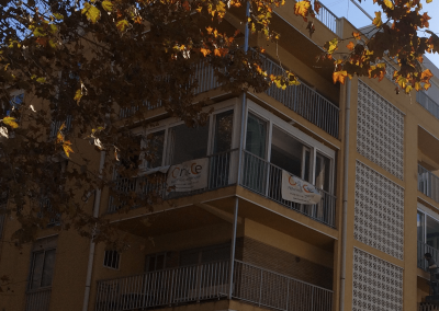 Cerramiento de terraza en piso Avd. Mediterráneo
